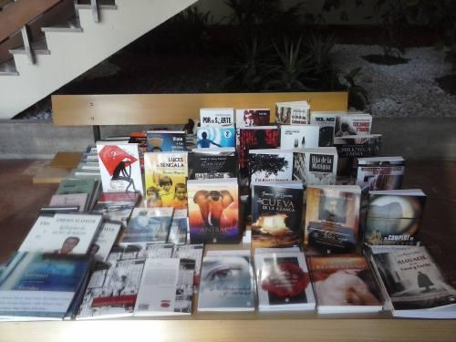foto salon libro facultad