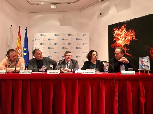 5. De izquierda a derecha, François Pérez Ayrault, el autor, Marcelino F. Mallo, Ramón Jiménez, Carmen Mejía y José M. Montalbán